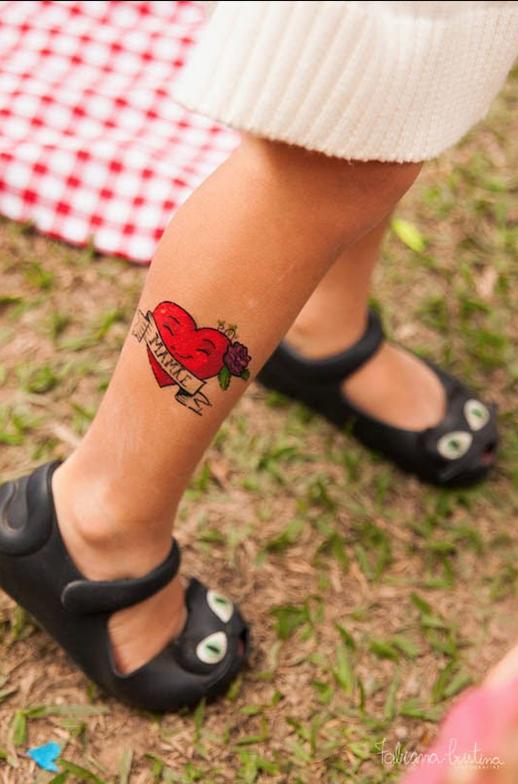 napracinha_dinoleta_tatuagem